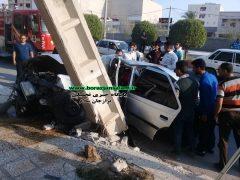 تصادف در خیابان حسینه اعظم برازجان/ برخورد با تیر برق وسیله نقلیه