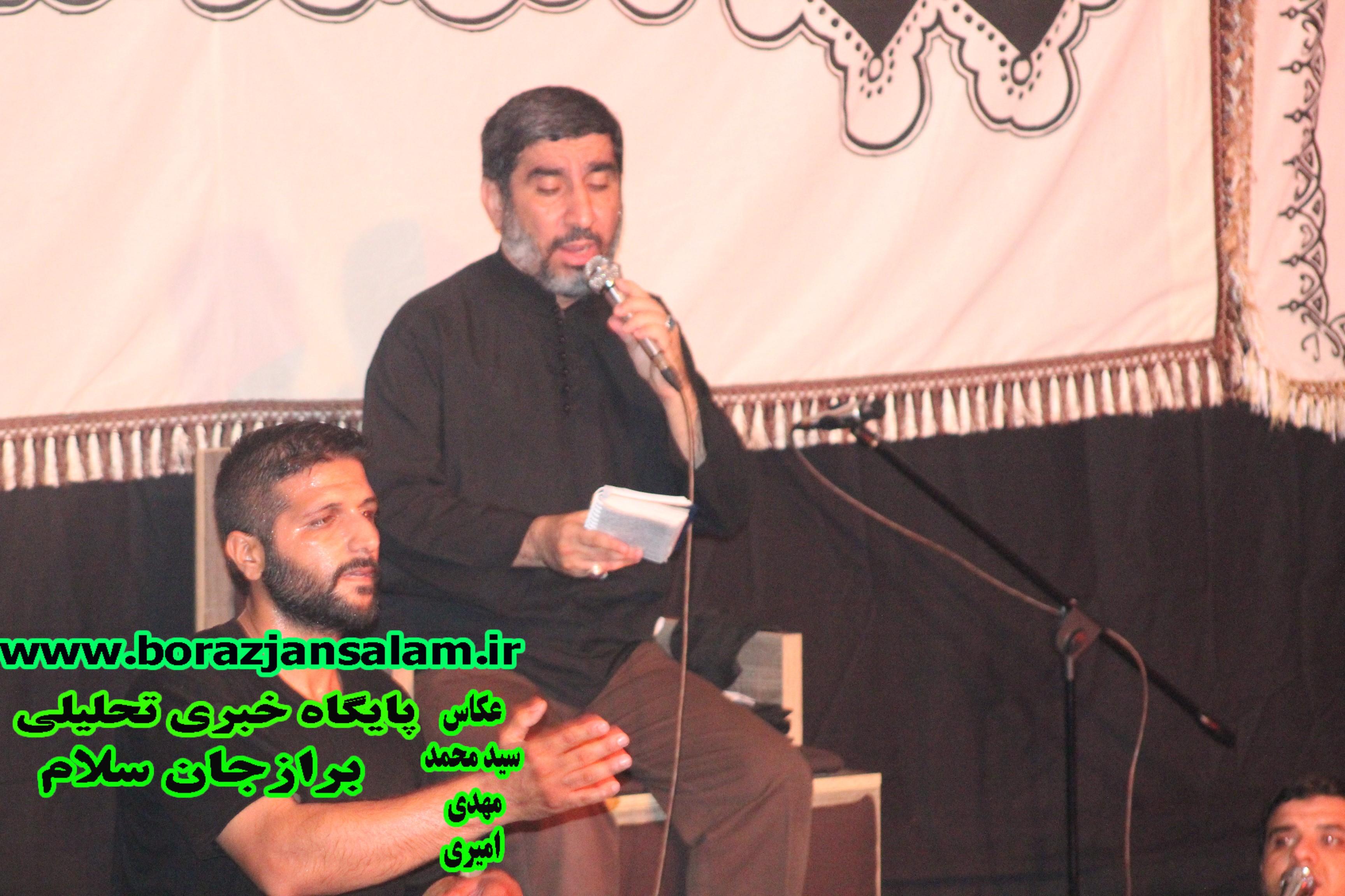 اجتماع بزرگ لبیک یا حسین با نوای حاج مهدی سلحشور برگزار شد .