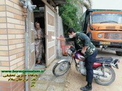 توزیع ماسک توسط بسیجیان حوزه امام سجاد (ع) در روستای دهقائد با موتور سیکلتهای شخصی