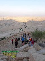 همراه باشگاه کوهنوردی سهند برازجان ، صعود به تنگ بهرام شرق برازجان ،در محلی که کارگاه سنگ تراشی برای کاخ چرخاب بوده است
