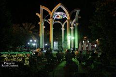 جشن زیرسایه خورشید در کنار مرقد شهدا خوشنام جم با اجرای میدانی سرود برگزار کردید