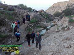کوهپیمائی کارکنان انتظامی دشتستان در یک هوای صبح بهمن ماهی  + تصاویر اختصاصی