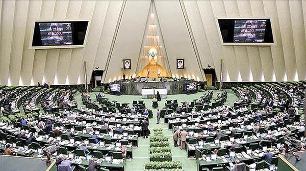 نماینده دشتستان در مجلس: افزایش آببهای نخیلات در شرایط کاهش قیمت خرما منطقی نیست