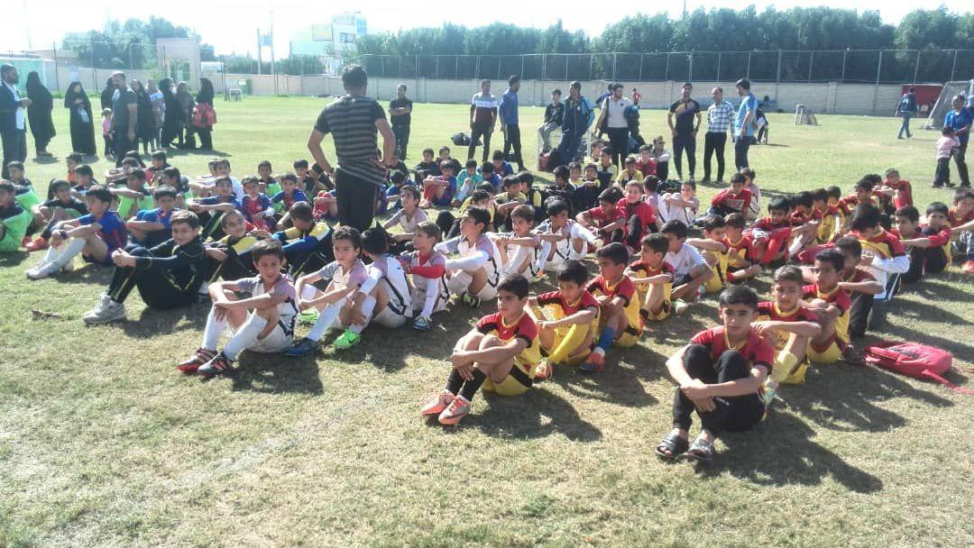 فستیوال زیر ده سال فوتبال برازجان برگزار شد + تصاویر