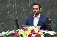 جهرمی: وزارت ارتباطات بحث شبکه ملی اطلاعات و برنامه صلحآمیز فضایی را دنبال میکند