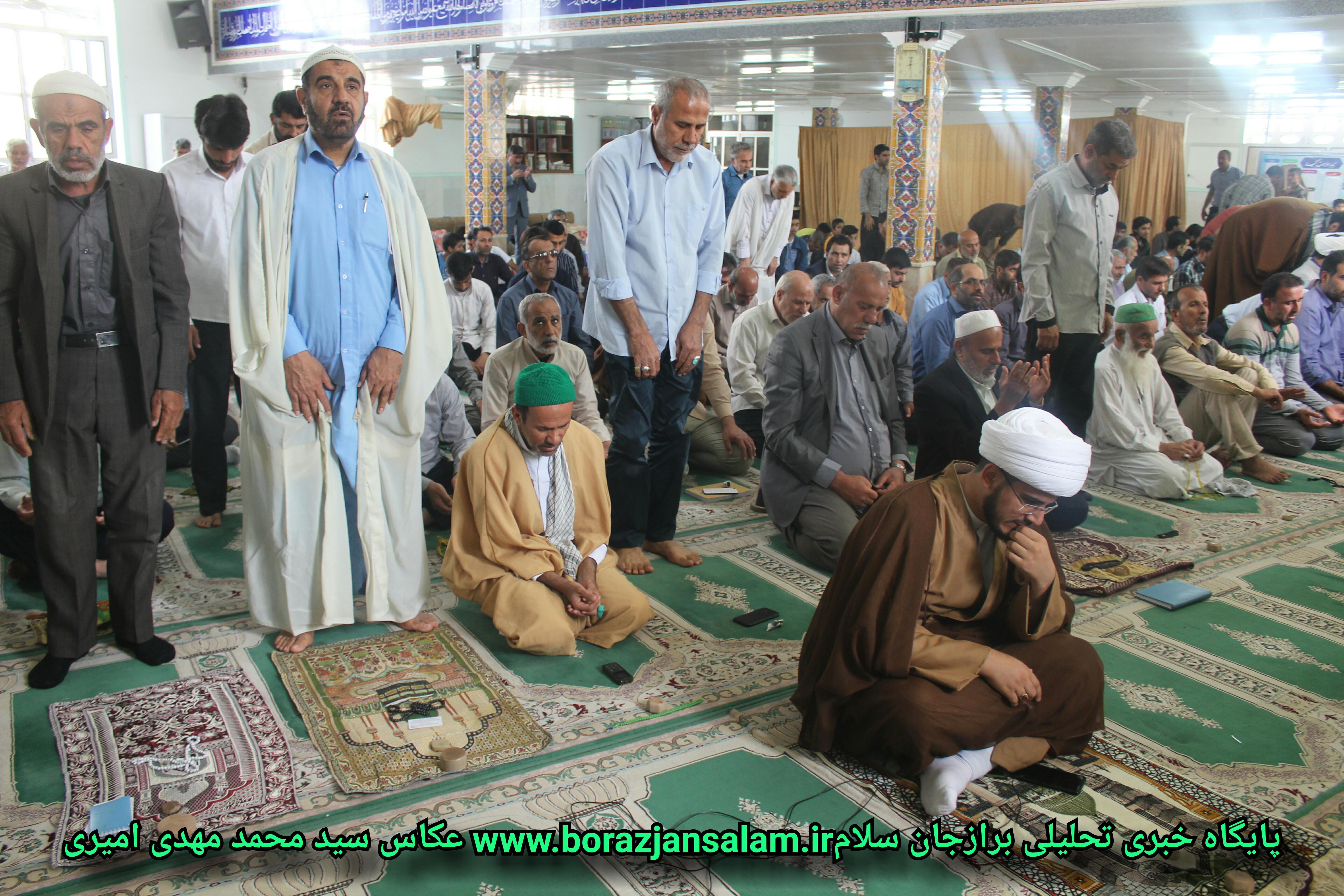 حضور اقای محمدی شهردار برازجان در جمع معتکفین مسجد فاطمه زهرا