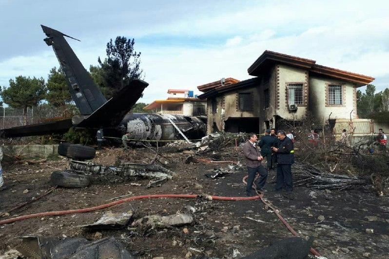 ۹ جسد در محل سقوط هواپیما پیدا شد